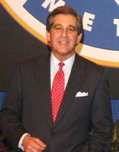 Jerrry Abramson as Louisville Mayor
